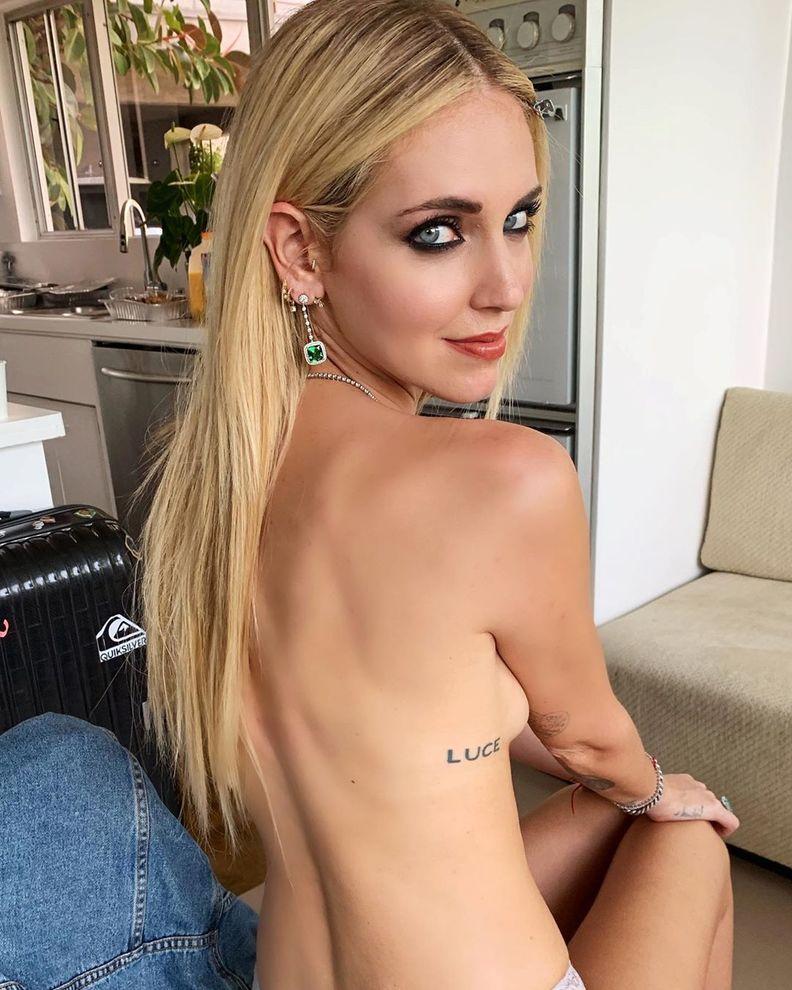 chiara_ferragni_topless_instagram_26190449